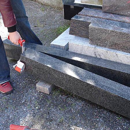 Pinza para manejar paneles y piezas prismaticas
